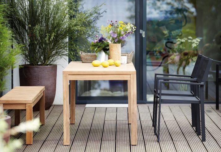 Gartenstühle und Gartentische